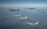 Бомбардировщики США над Черным морем впервые сопровождала авиация Украины