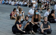 В Сербии проходят антикарантинные сидячие протесты
