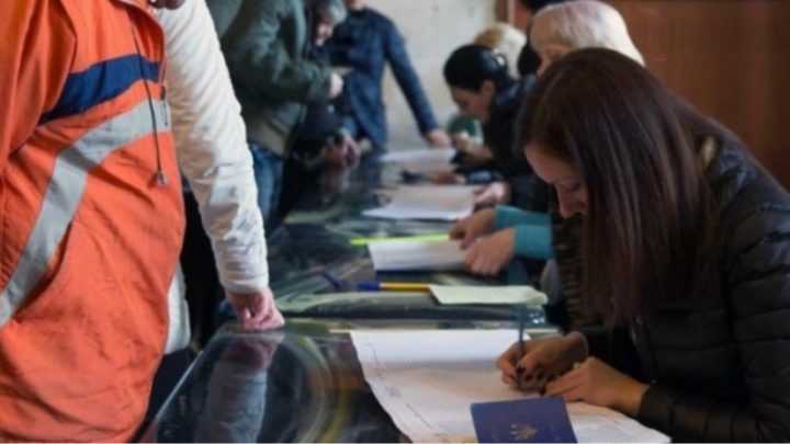 Стефанчук неисключил вынесение вопроса обособом статусе Донбасса нареферендум