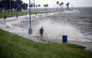 Над Атлантикой сформировался тропический шторм Бета