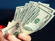 Межбанк: пятница прошла на валютном рынке нестандартно из-за Дня Колумба
