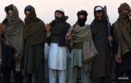 В Афганистане сотни талибов сложили оружие