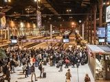 Тысячи парижан бегут из города из-за карантина