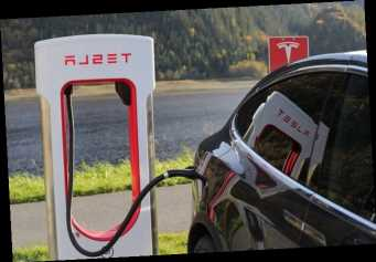 Суд изъял у украинца Tesla за 1,7 млн грн за попытку провезти авто в нарушение правил