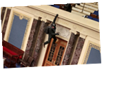 Силовики при помощи слезоточивого газа зачистили здание Конгресса