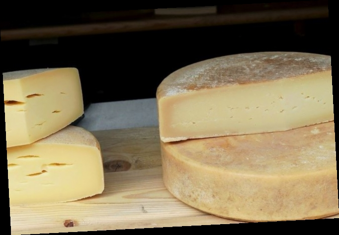 Украина удвоила закупку импортных сыров