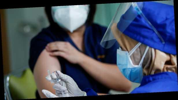 """ВОЗ обещает компенсации за """"побочку"""" от вакцины против COVID-19"""
