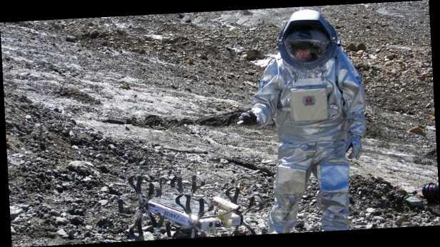 США отказались отправлять человека на Луну к 2024 году