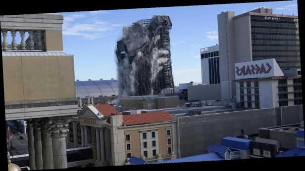 В США взорвали бывшее казино и отель Трампа: видео падения Trump Plaza