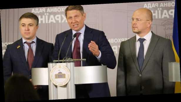 Нардепы обратились к президенту с требованием уволить главу Луганской ОГА