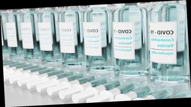 Европа не сможет вовремя поделиться с Украиной остатками вакцин: в МИД назвали причину
