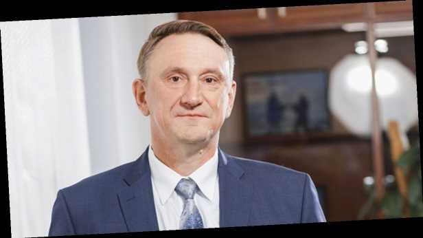 ЦИК зарегистрировала Аксенова народным депутатом