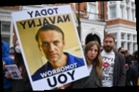 Врачи заявили о неправильном лечении Навального