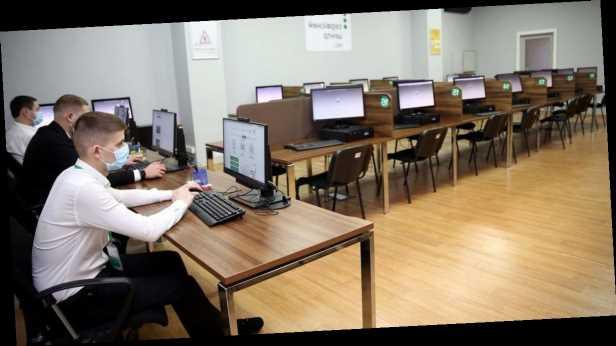 Студентов хотят наказывать за плагиат в рефератах и курсовых: какие штрафы могут грозить