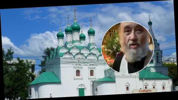 В Москве священник избил прихожан из-за фотографии: нападение попало на видео