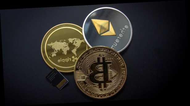 Биткоин– самый рисковый способинвестирования,– глава »Сбербанка»
