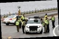 Краска и дымовые гранаты: семь человек арестованы у места проведения G7