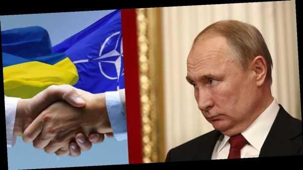 О боязни вступления Украины в НАТО, »коренных русских» и диалоге с Донбассом: главные месседжи Путина