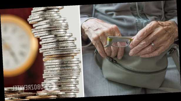 Украинцам пересчитают пенсии задним числом: кто и сколько получит