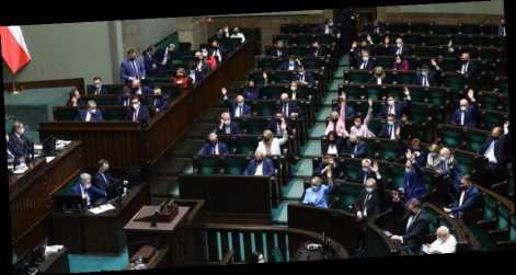 В Польше правящая партия потеряла большинство в парламенте