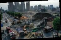 В Южной Корее здание рухнуло на остановку с людьми