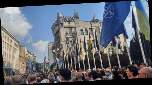 Депутаты »ЕС» во время акции в поддержку Павловского назвали дело сфабрикованным
