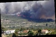 Лесные пожары охватили популярный туристический район Испании