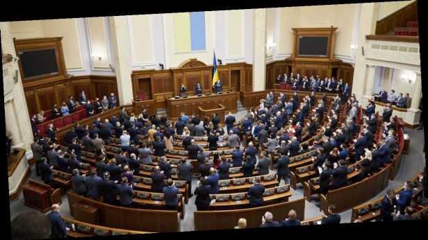 Монобольшинство блокирует законопроекты оппозиции в Раде, – КИУ