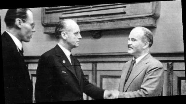 82 года назад был подписан пакт Молотова-Риббентропа. Малоизвестные факты о документе