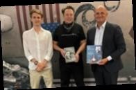 Илон Маск показал внуку Сергея Королева SpaceX