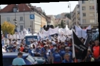 Сотни медиков вышли на акцию протеста в Варшаве